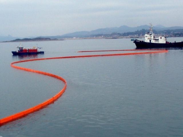Боновое заграждение  для локализации нефти «Минимакс» (Minimax)